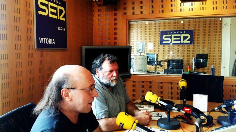 Antonio Escalante y Xabi Álvarez de Arkaia, colectivo Gasteizkoak, / CADENA SER